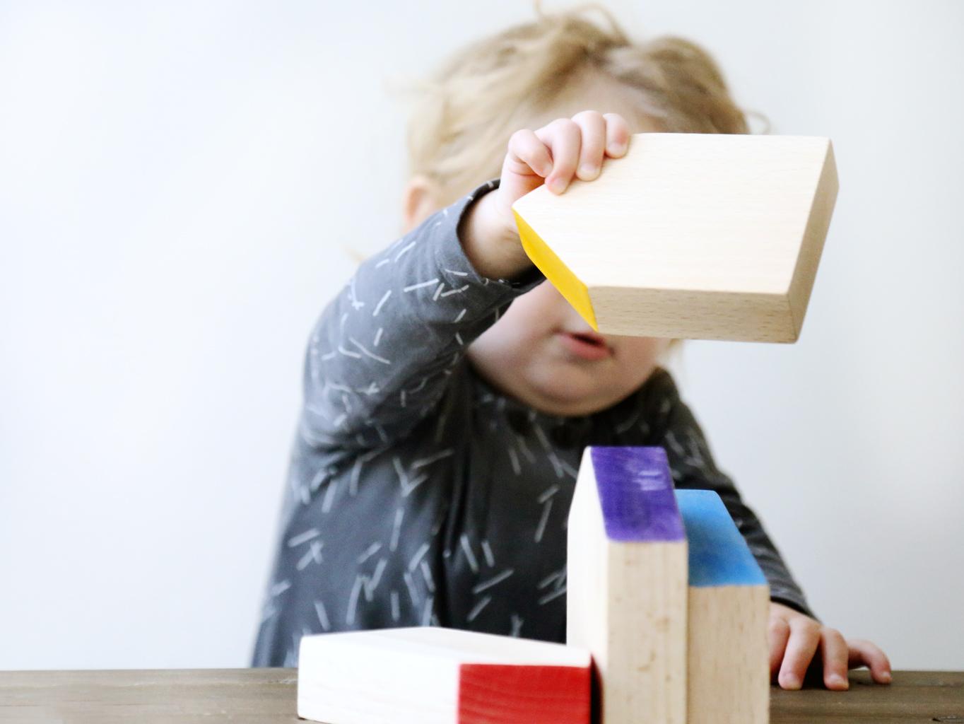 Coconeh: verantwoord en uniek speelgoedwinkel amsterdam montessori speelgoed houten blokken Grapat
