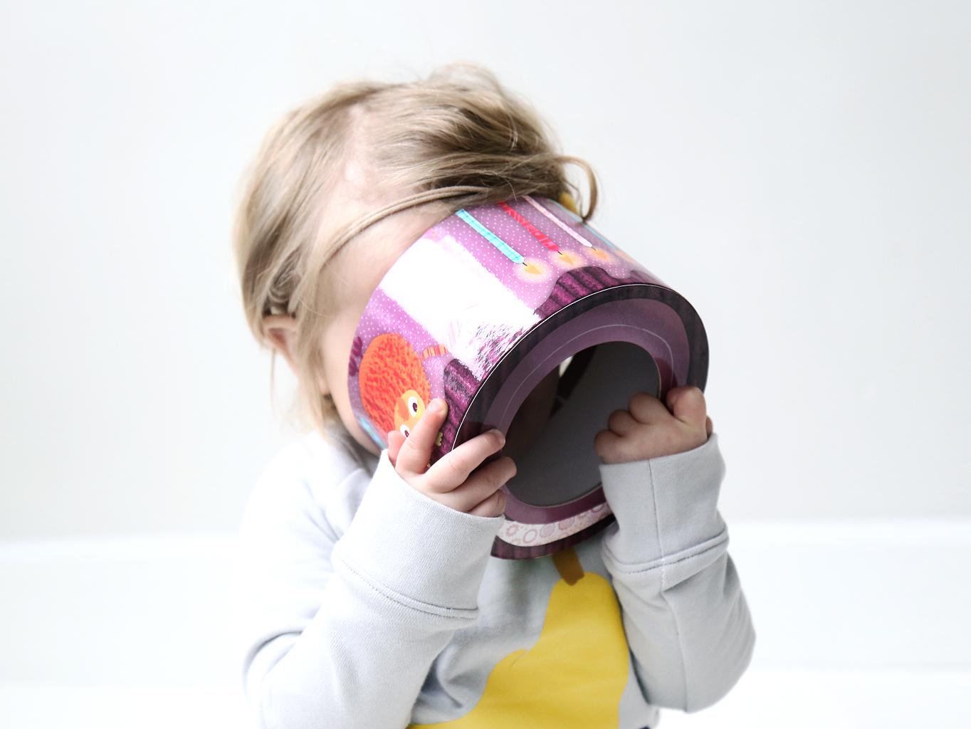 Stapelen, tellen, zien en ontdekken met Lilliputiens stapeltoren, tiny rain kids, faal trends, kindermodeblog