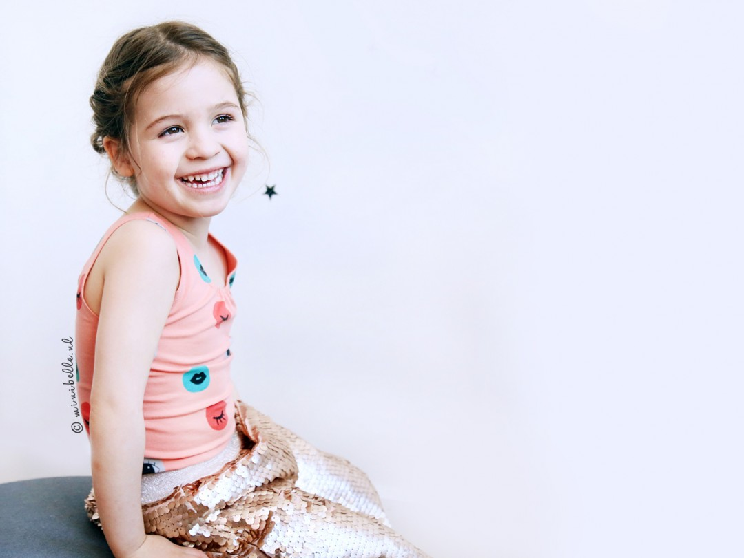 De outfit van Belle: iglo+indi sensen gym top sequin skirt