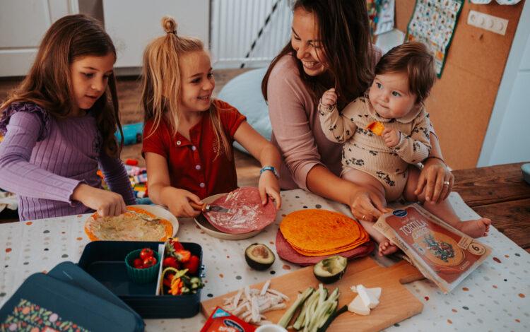 'Back to school' lunchbox idee: ''sushi'' tortilla met groenten!