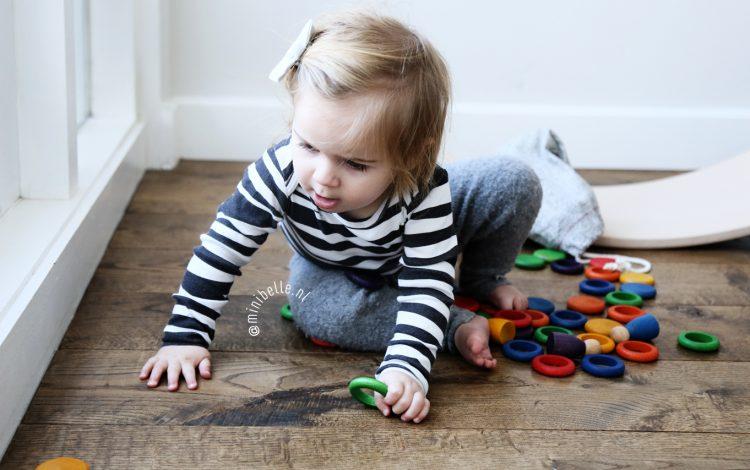 Houten speelgoed zelfstandig spelen montessori grapat